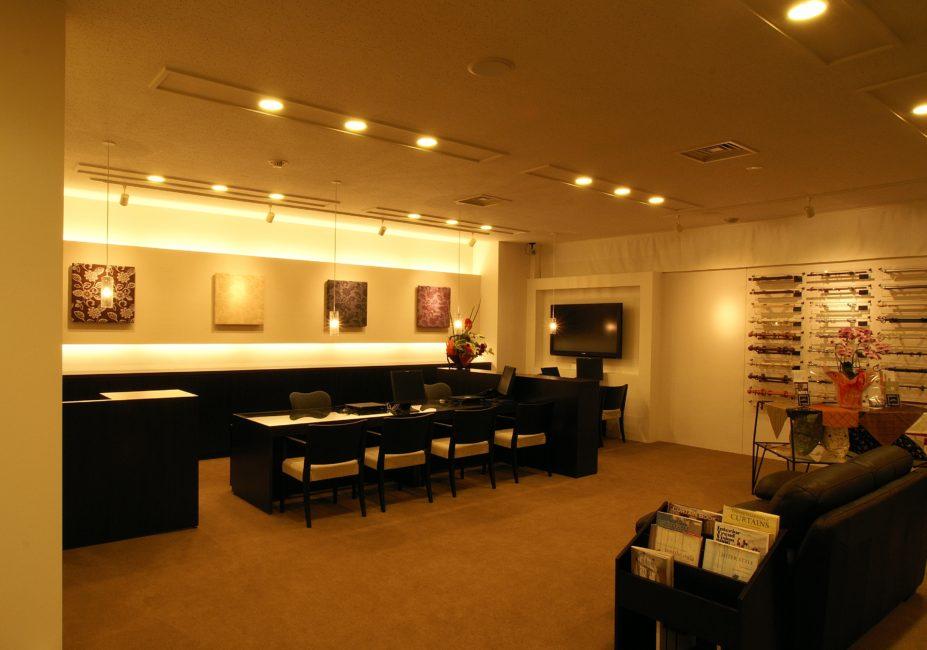 ジャストカーテンプレミアム和歌山県庁前店